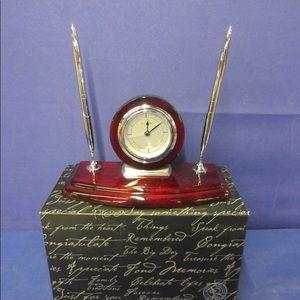 Things Remembered Mahogany Danbury Clock Pen Stand